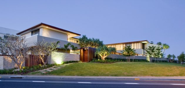 Albatross Residence by BGD Architects in Gold Coast, Australia