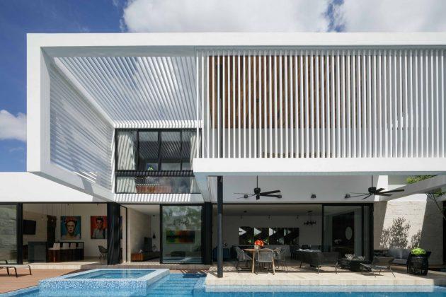 Caleta 18 Residence by R79 in Merida, Mexico