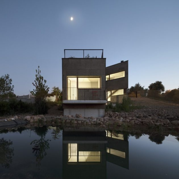 The house in the forest by El Fil Verd in Barcelona, Spain