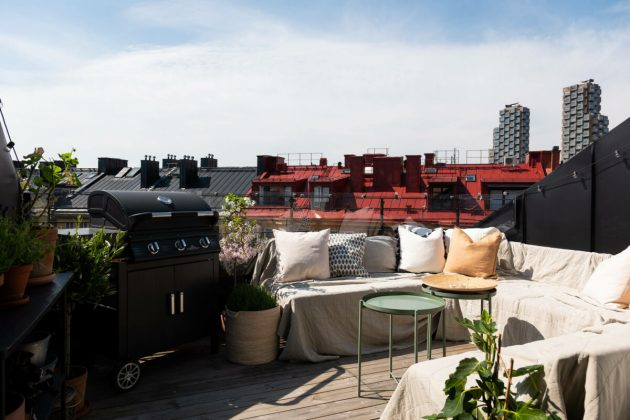 Penthouse With Small Terrace For Sunbathing At Home