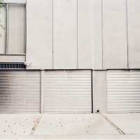 How to Select the Right Commercial Garage Doors?