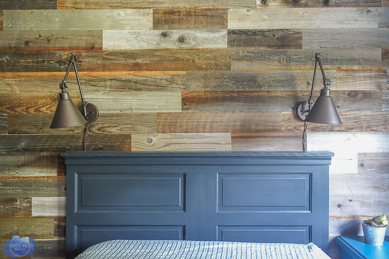 15 Creative DIY Projects That Turn Old Doors Into Rustic Home Décor Elements
