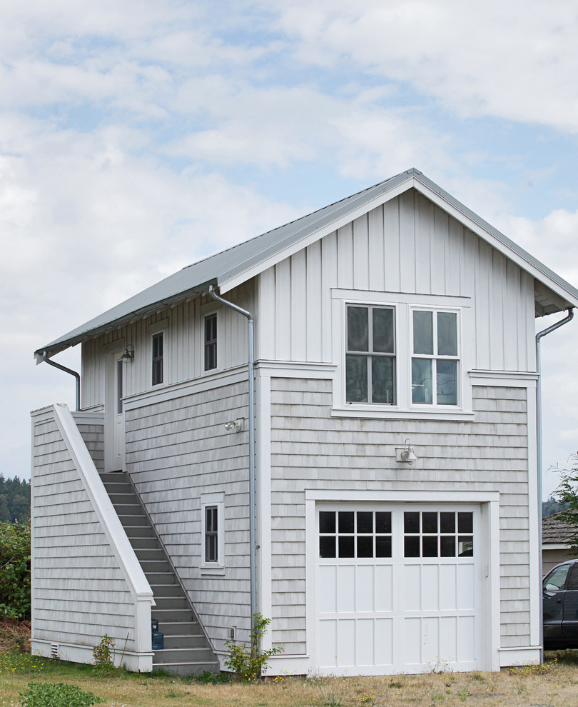 14 Examples of Amazing Coastal Garage Designs For Your Beach House