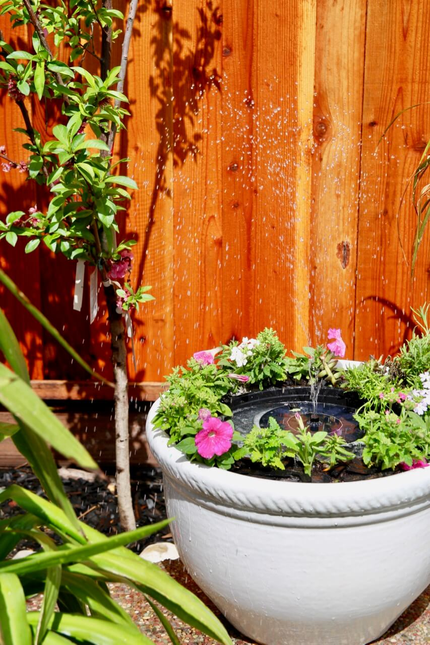 16 Awesome DIY Projects For Your Summer Backyard Refresh
