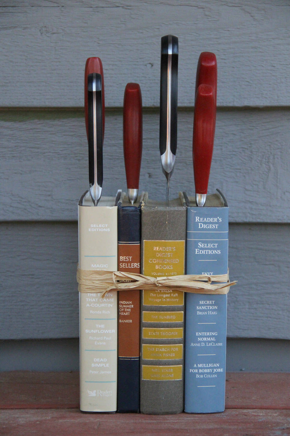 17 Beautiful DIY Book Crafts For A Farmhouse Look