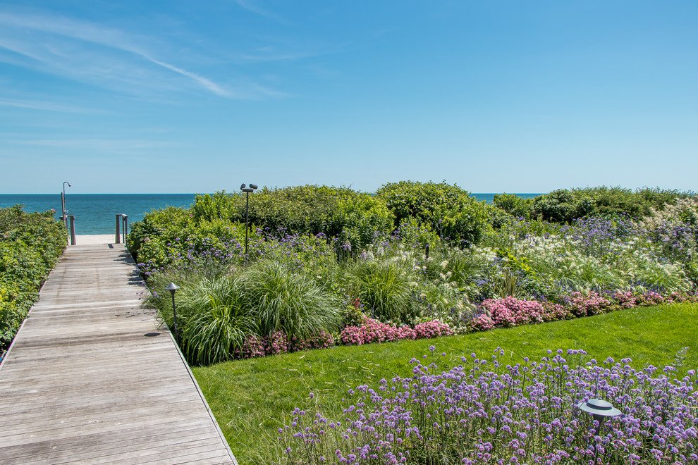 18 Absolutely Stunning Coastal Landscape Designs for Your House on the Beach
