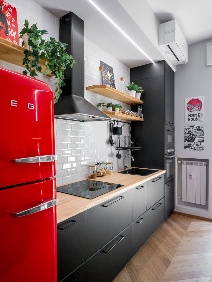 18 Outstanding Industrial Kitchen Interiors You Will Fall In Love With