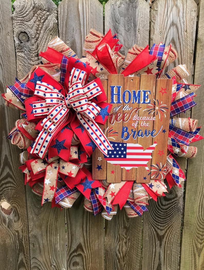 20 Must-Have Patriotic Wreath Designs for the 4th of July
