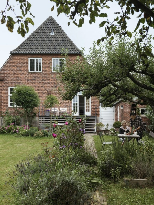 Take A Look At The 85-Year Old Danish Villa That Has Been Renovated