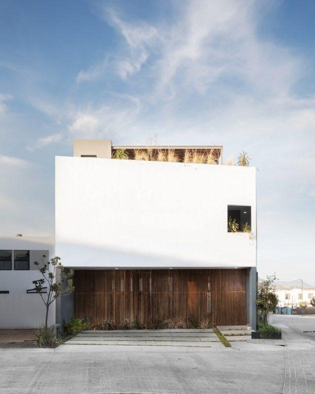 Almendro 22 House by Arqueodigma Estudio in Mexico