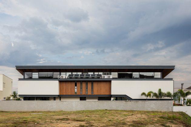 CR House by Obra Arquitetos in Sao Jose Dos Campos, Brazil