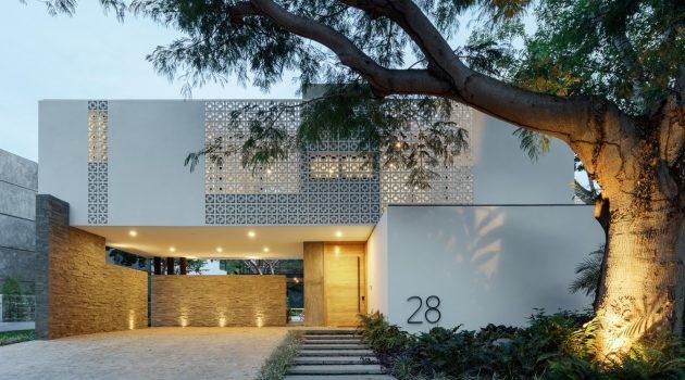Casa La Blanca by Di Frenna Arquitectos in Colima, Mexico