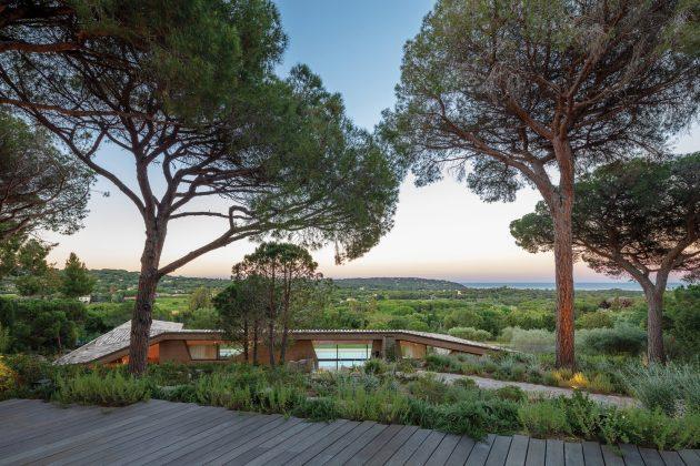 Villa Varoise by NADAA in France