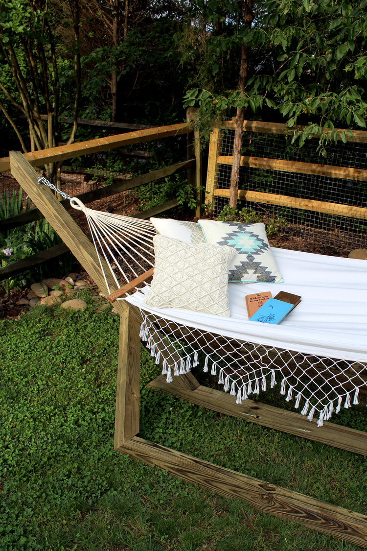 15 Super Sweet DIY Outdoor Furniture Projects For Your Patio