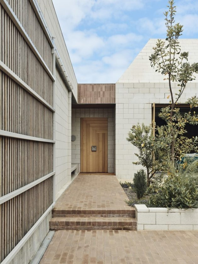 Bellows House by Architects EAT in Flinders, Victoria