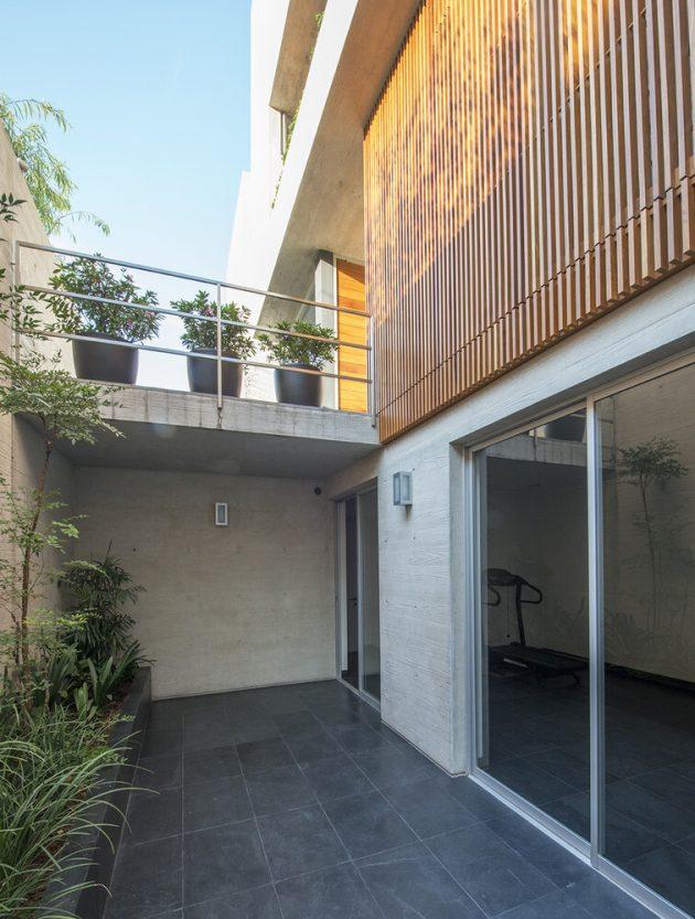 House V by Jaime Ortiz de Zevallos in Lima, Peru