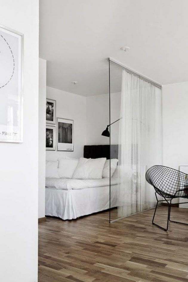 A Modern Glass Roof In The Bedroom As Decor Idea