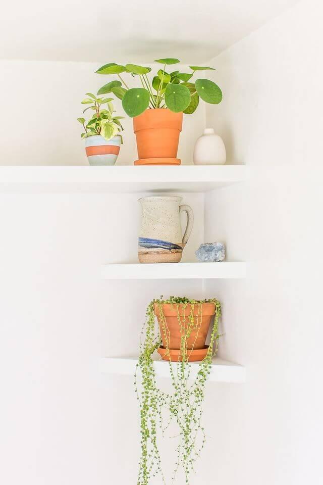 16 Sleek DIY Floating Shelf Ideas For A Modern Touch