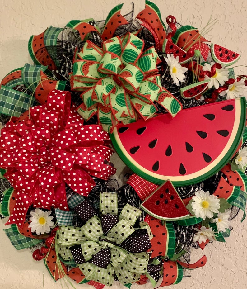 20 Refreshing Watermelon Wreath Designs For The Rest Of Summer