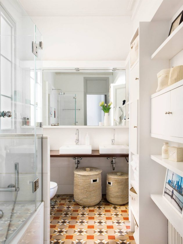 Kitchens & Bathrooms With Hydraulic Floors
