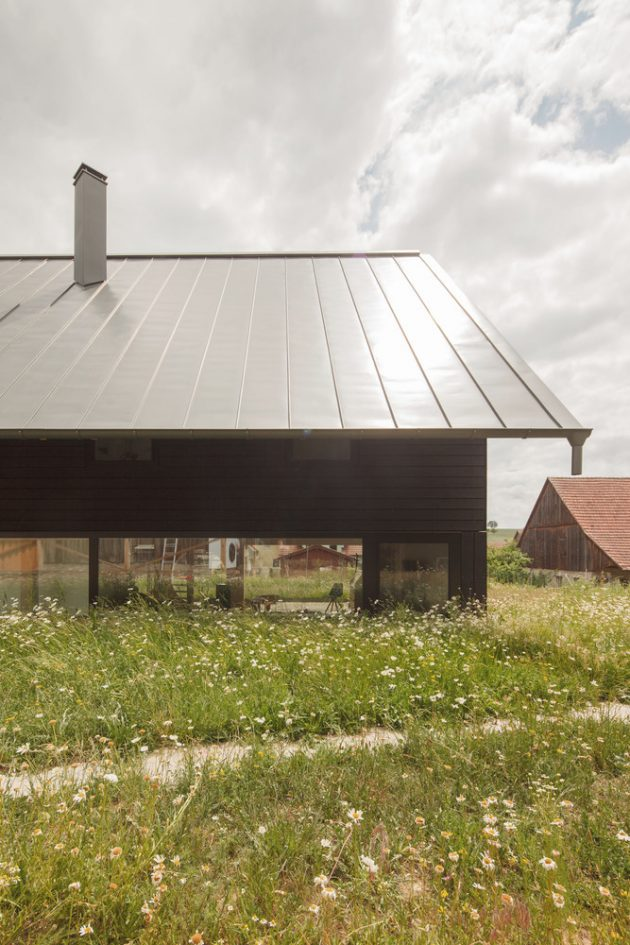 House CS by Daniel Laubrich in Sesslach, Germany