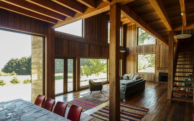 Lake House by Rodolfo Wiedmaier Delorenzo in Curacautin, Chile