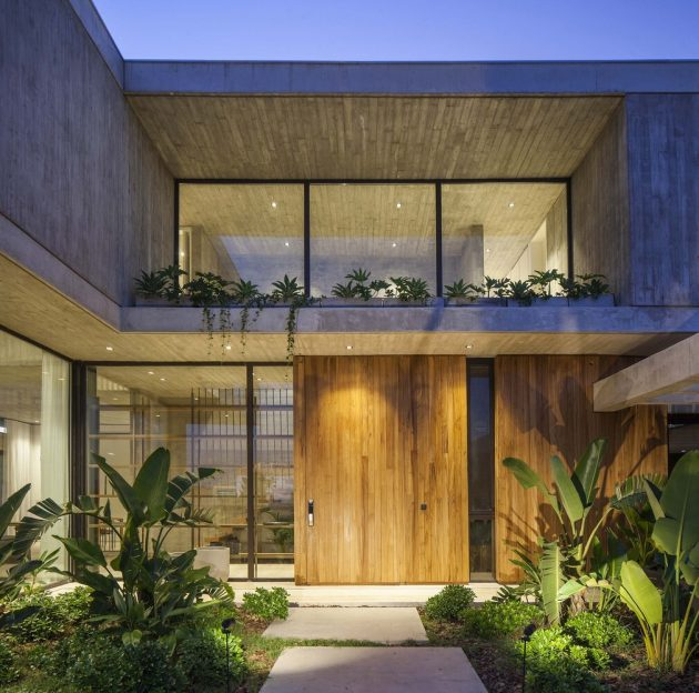 Sakura House by Estudio PKa in Belen de Escobar, Argentina
