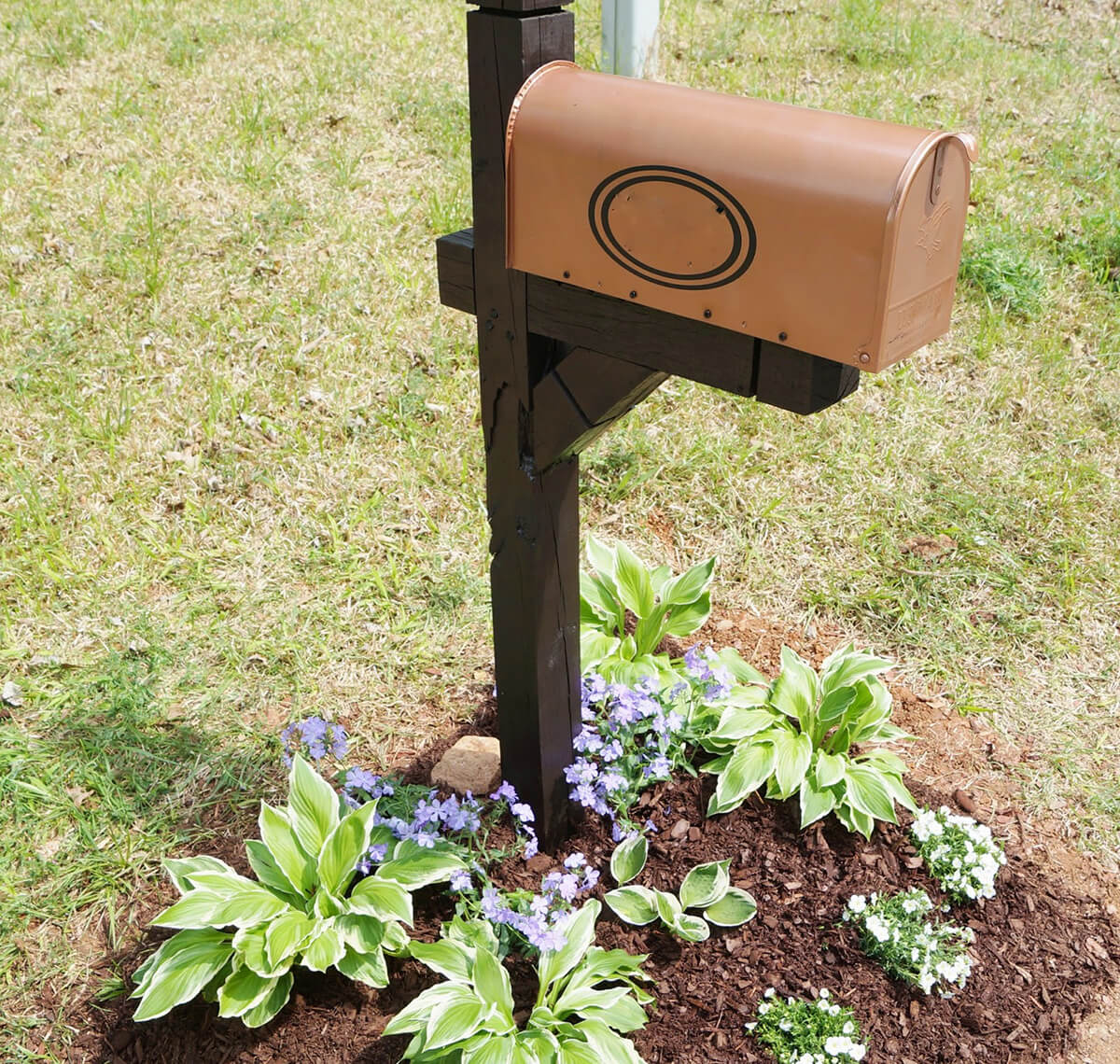 15 Awesome DIY Mailbox Projects Your Neighbors Will Envy