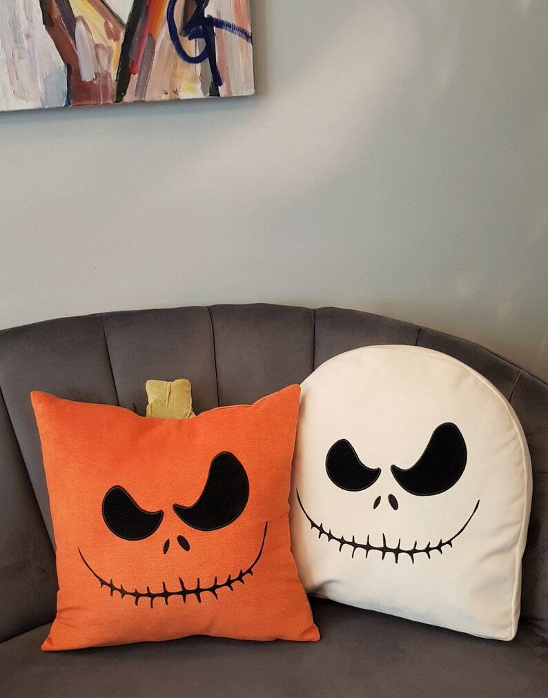 15 Frightening Halloween Pillow Designs That Will Chill You To The Bone