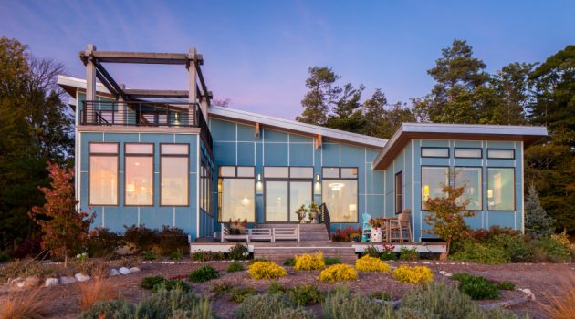 18 Eye-Catching Industrial Exterior Designs That Look Like A Home