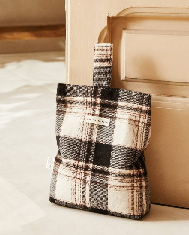 5 Items Of Checkered Pattern To Incorporate Into Your Home With Style