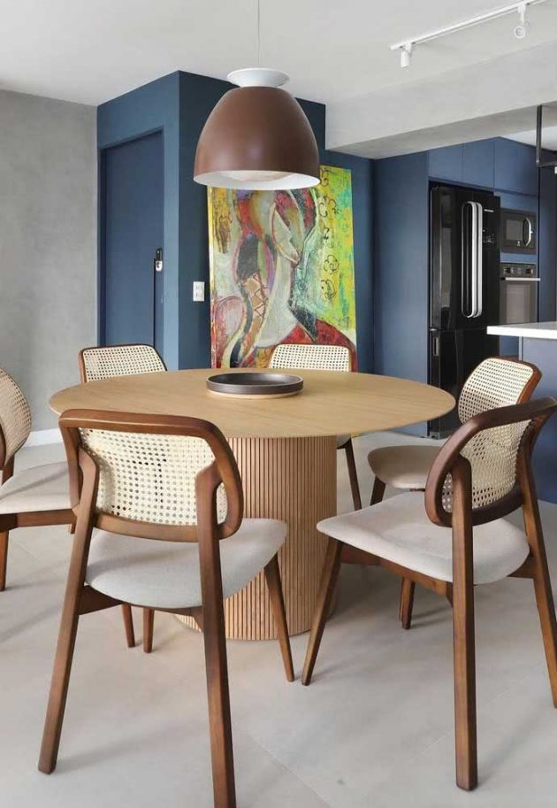 Advantages Of Having Round Table In Your Home