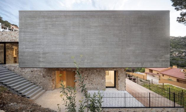 House 1510 by Nordest Arquitectura in Girona, Spain