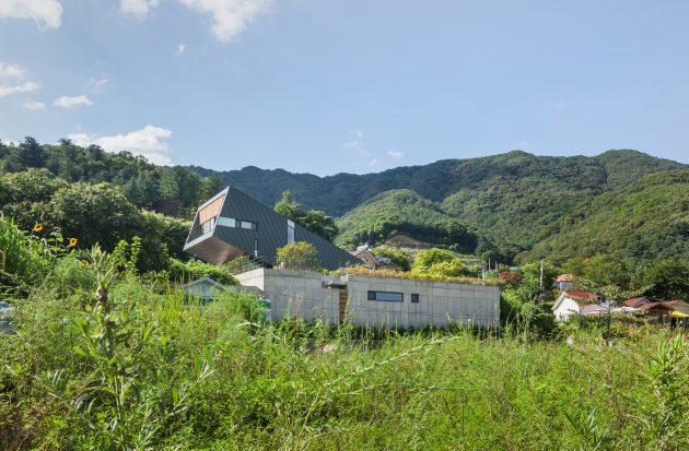 Leaning House by PRAUD in Jinan-Gun, South Korea