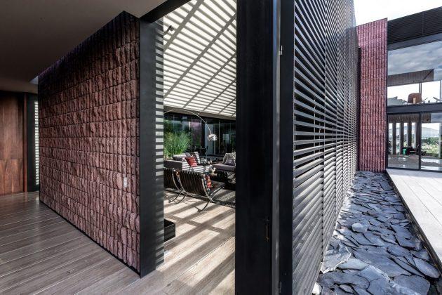 Mariana House by LABarq in Santiago de Queretaro, Mexico