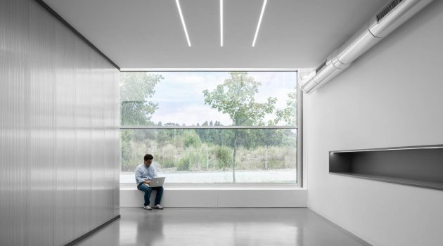 Office MA – Translucent Office Design by éOp – architecture and design in Porto