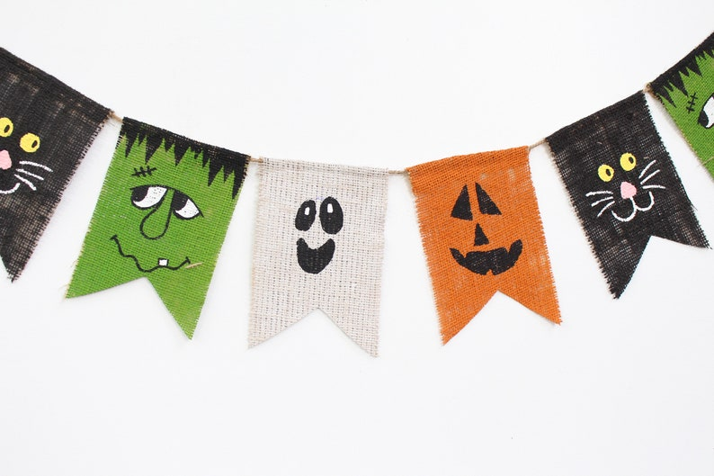 16 Spooky Halloween Garland Designs You Can Hang Anywhere