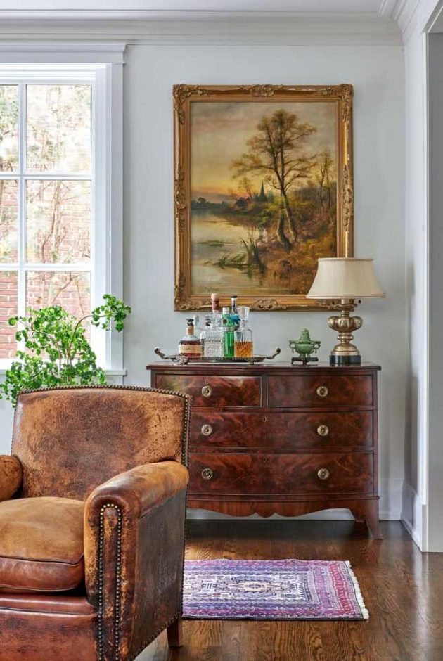 How To Use Classical Frames In Home Decor