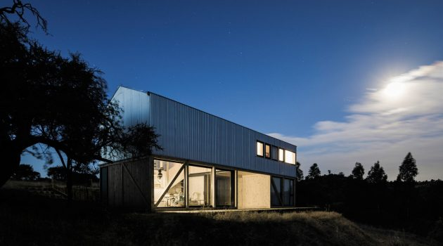 Galpon House by 2172 / asociados in Chile