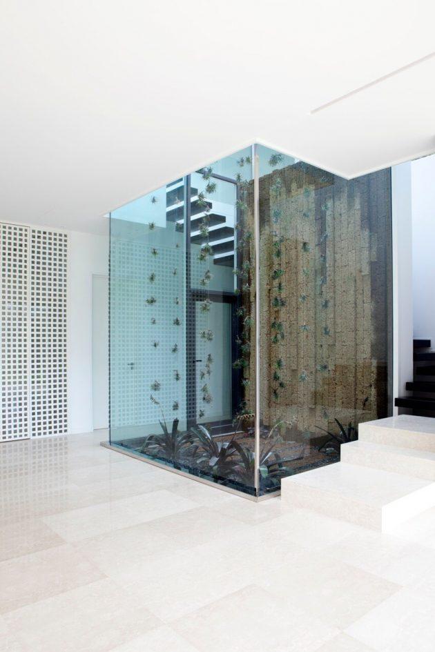 Villa C by Studio Guilhem in Cannes, France